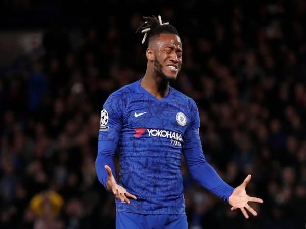 Tin bóng đá nổi bật 3/6: Chelsea ra giá bán Michy Batshuayi